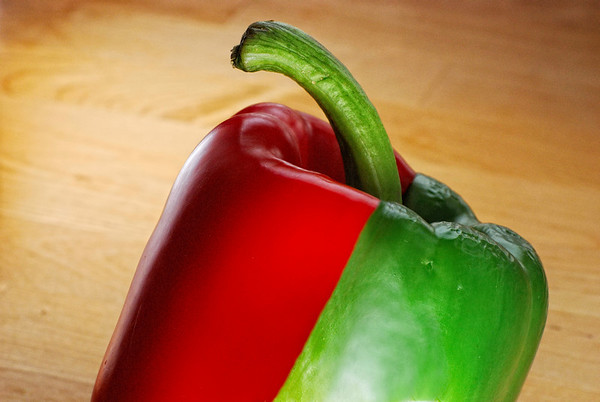 """Genetic - I am tired to buy 2 peppers every time I want a green and a red in my salad so I had the idea of this one. There is very little PP involved, just a few """"sanding"""" at the seam. Have a great day - JY"""