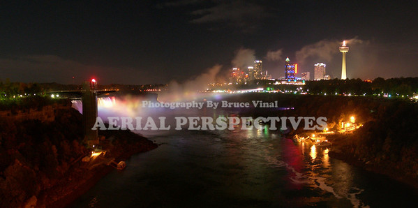 A view of Niagara Falls from The Rainbow Bridge