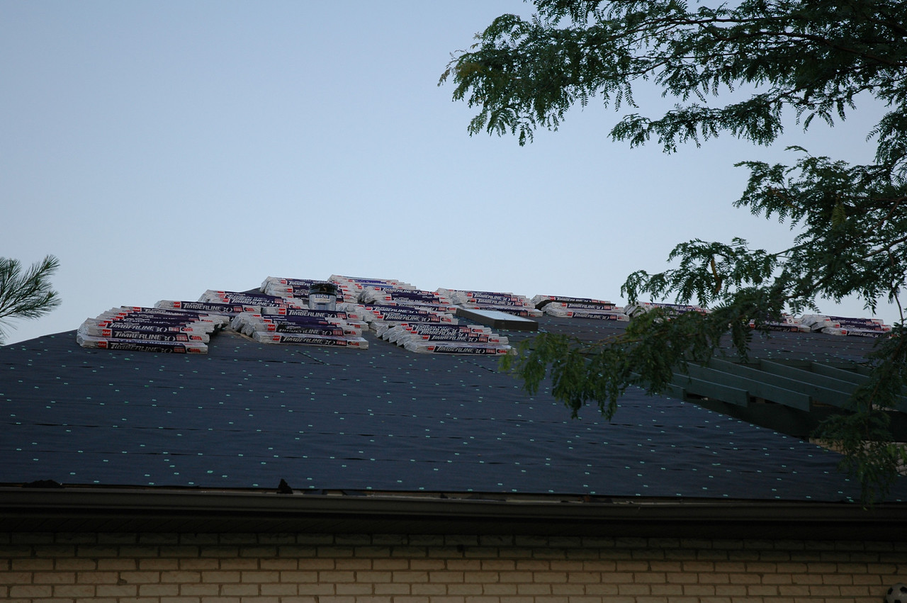 After two days, we can see some progress on the roof