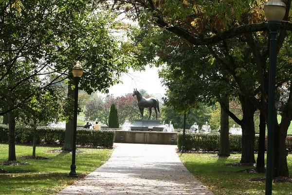 Man O' War Statue
