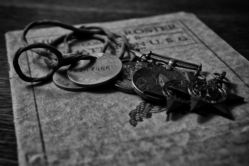 WW1 Dog Tags & WW2 Medals
