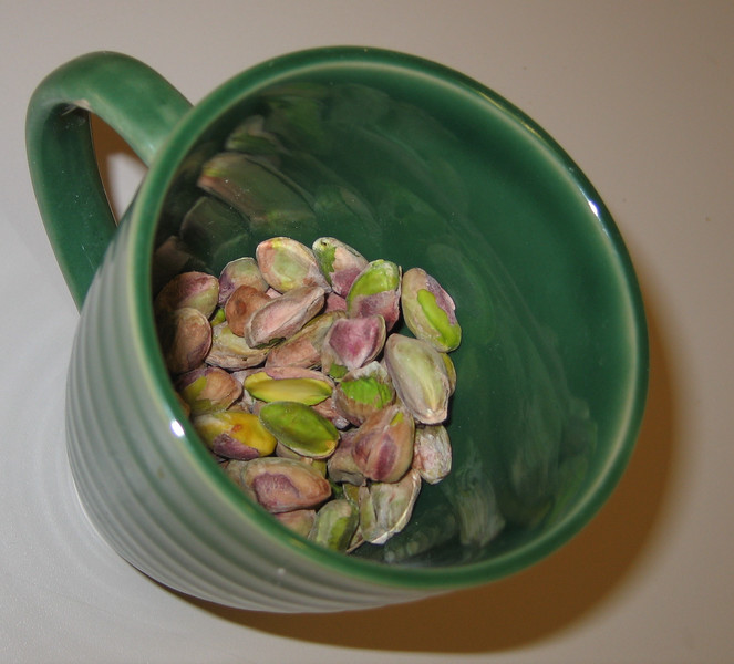 20071213 Pistachios - shelled, in green cup (Indian cooking class) (4 of 4)