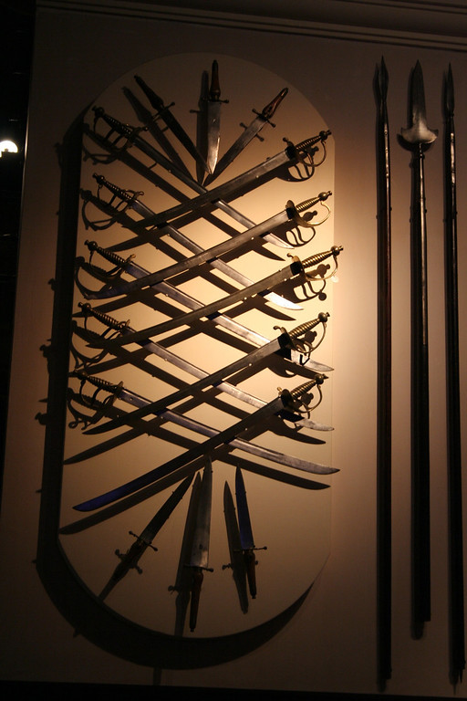 Sabers and pikes, Tower of London
