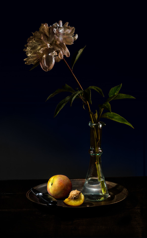 Stilllife of peony and peach
