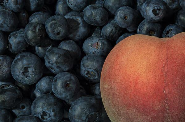 Blueberries & White Peach