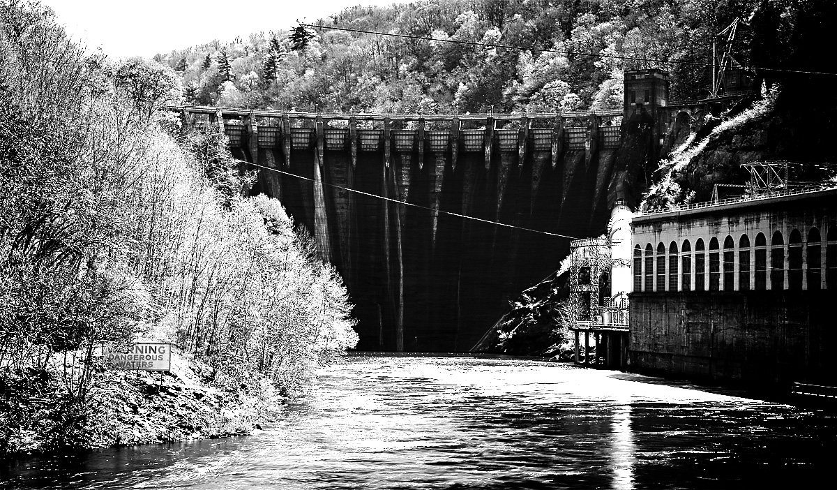 Dam at the bottom of the river that comes out of the Fontana Dam.  Not sure of the name, but Tapoco lodge is across the street.  This is off Route 129 (where the Dragon is).
