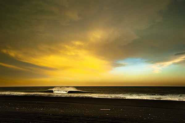 AN UNRIDDEN WAVE ON THE ICELANDIC COAST, 2009