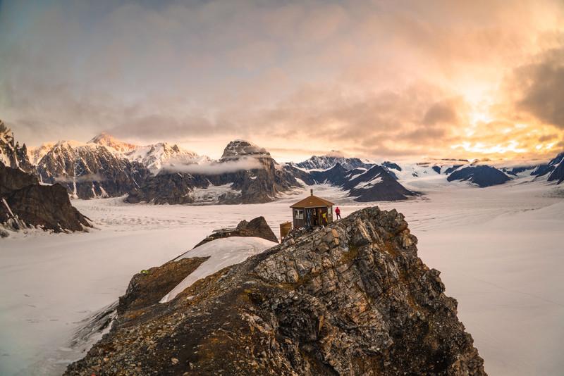 ALASKA MOUNTAIN HUT