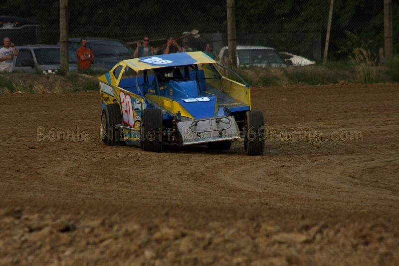 May 26, 2012 Redbud's Pit Shots Kyle Dixon Memorial Delaware International Speedway
