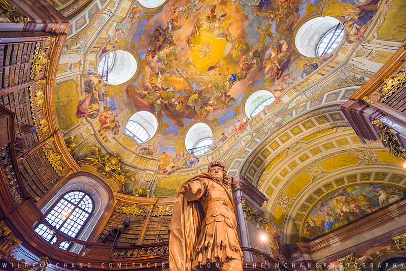 Austrian National Library -Dome & Statue