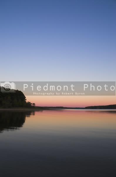 A beautiful evening sunset over a lake.