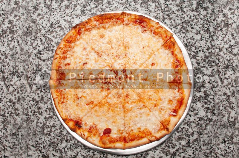 CheesePizza_7hj76h6g65o9y76