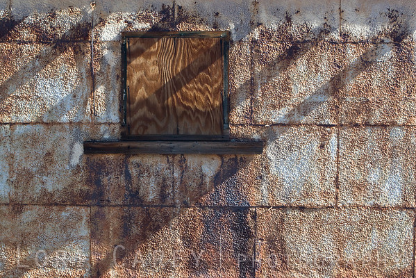 Detail of abandoned building along Route 66 in California