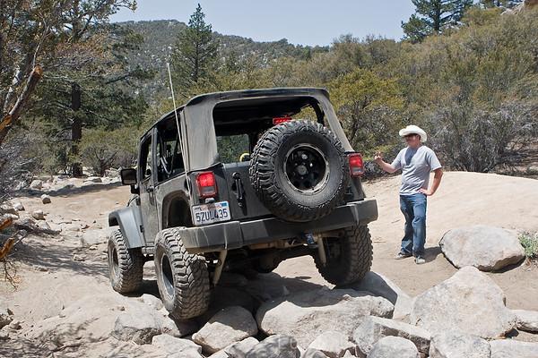 j-sack spotting Rockrash's jeep through a rock garden on John Bull trail