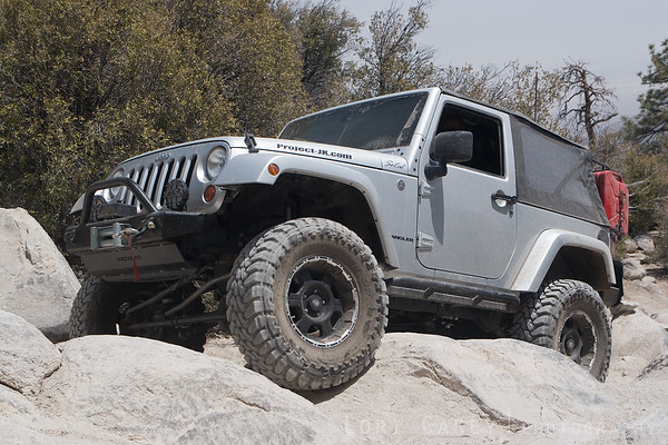 Jeep crawling over rocks on John Bull trail