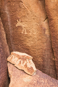 Bear and serpent petroglyphs, Fremont, Nine Mile Canyon, Utah