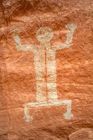 Large Ancestral Puebloan painted anthropomorph, Utah