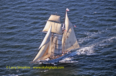 """Californian"" Great Chesapeake Bay Schooner Race, October 2000, Image #S1338"