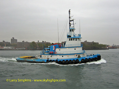 Tug, Sarah Dann, New York Harbor, October 2006. Image# 028