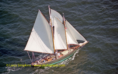 """Farewell"" Great Chesapeake Bay Schooner Race, October 2000, Image #1214"