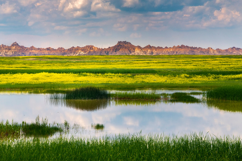 A Full Guard Wall Of Badlands - Badlands National Park, South Dakota