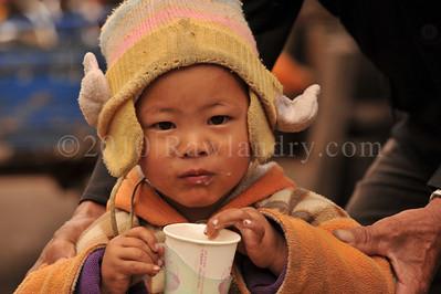 Mosuo minority 摩梭人 Yongning Town 永宁乡Around Lugu Lake Yunnan China 2010 DSC_9217