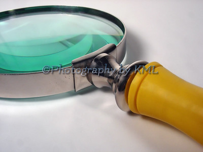 magnifying glass macro