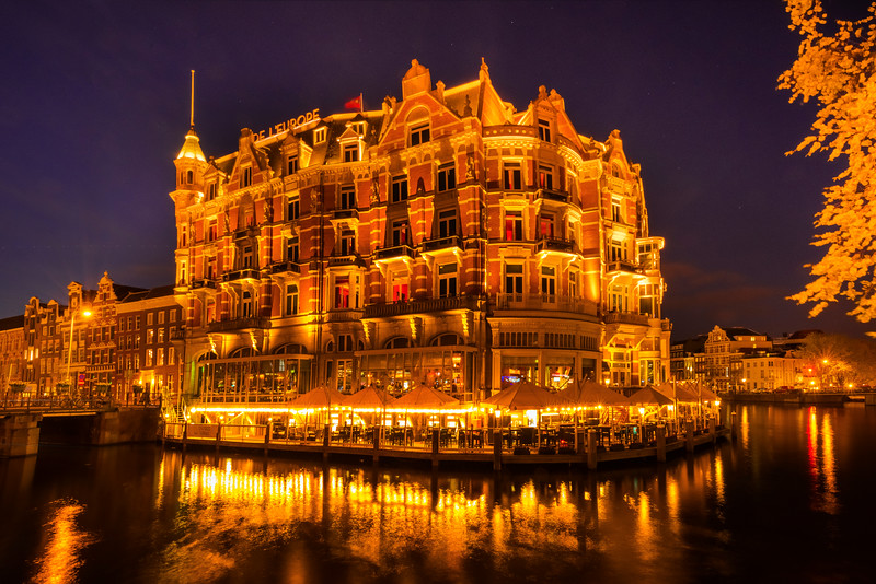 De L'Europ Hotel At Night