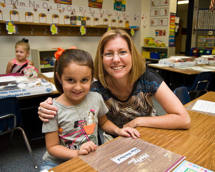 Jadyn goes to Meet the Teacher  at Crawford  --