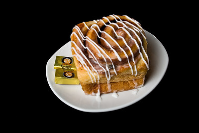 Cinnamon Roll 2  Dimensions: 3888 x 2592 Resolution: 240 dpi Size: 3.13MB