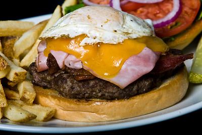 Burger  Dimensions: 3888 x 2592 Resolution: 240 dpi Size: 6.73MB