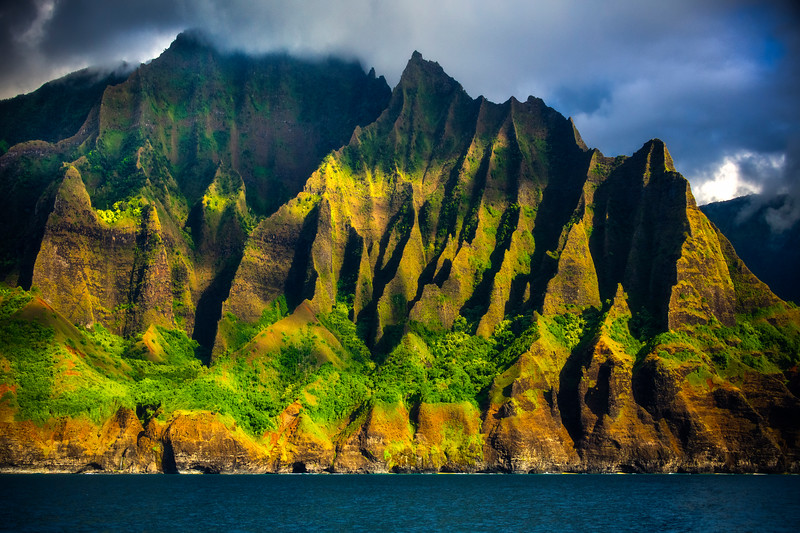 Magical Light Streaks Across The Spires - Na Pali Coastline, Kauai, Hawaii