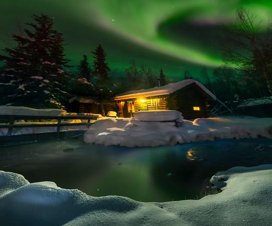 Take 1 Cabin House Under Green Lights -Chena Hot Springs Resort, Fairbanks, Alaska