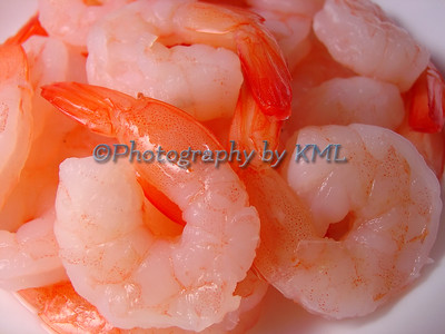 a macro of cooked shrimp