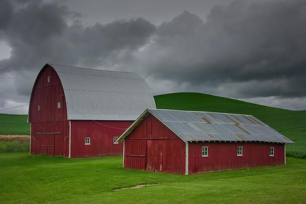 Idyllic Red Barns In Palouse - The Palouse Region, Washington