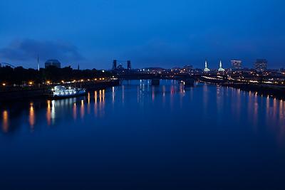 Willamette_river_night2