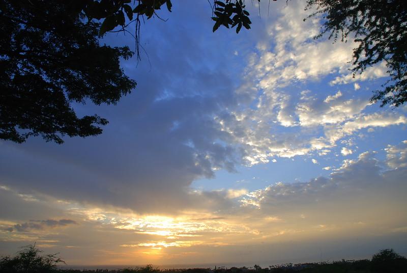 south maui sunset clouds