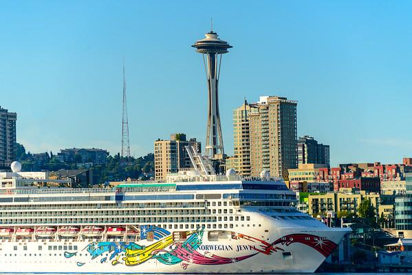 Making Its Presence Known - Seattle Waterfront - Seattle, WA