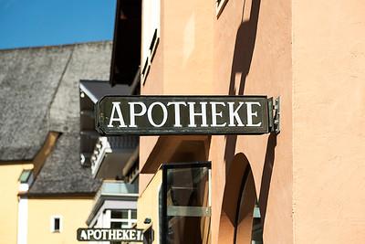Apotheke Sign