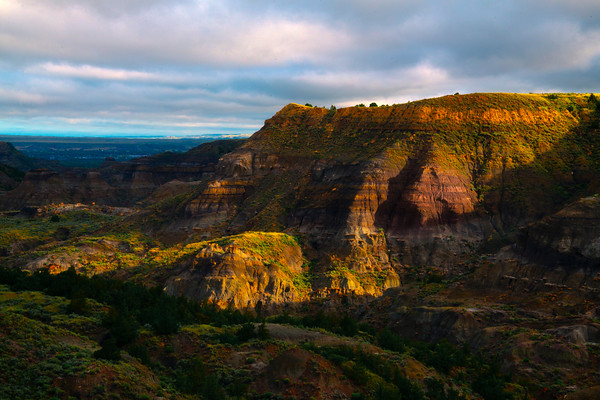Deep Creek Valley At Sunrise - Makoshika State Park, Glendive, Eastern Montana