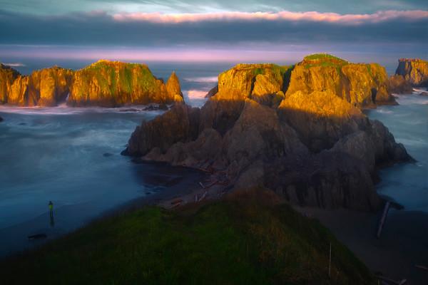 The Bandon Wall Under Morning Light - Bandon Beach, Oregon Coast