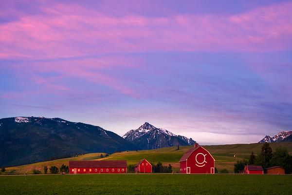Pink Skies Fill The Sky In The Wallowas Wallowa County, Oregon
