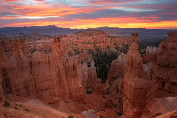 Bryce Canyon Sunrise On The Hoodoos - Bryce Canyon National Park, Utah