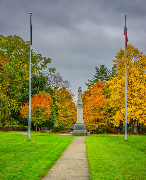 Bennington Memorial With Autumn Colors - Vermont