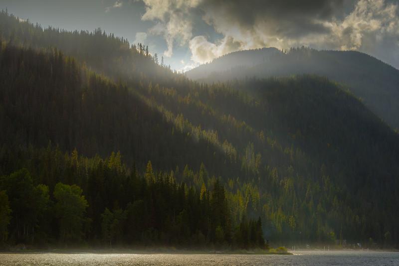 Stunning Light On The Surrounding Mountains Around Lake Wenatchee - Lake Wenatchee State Park, Leavenworth, WA