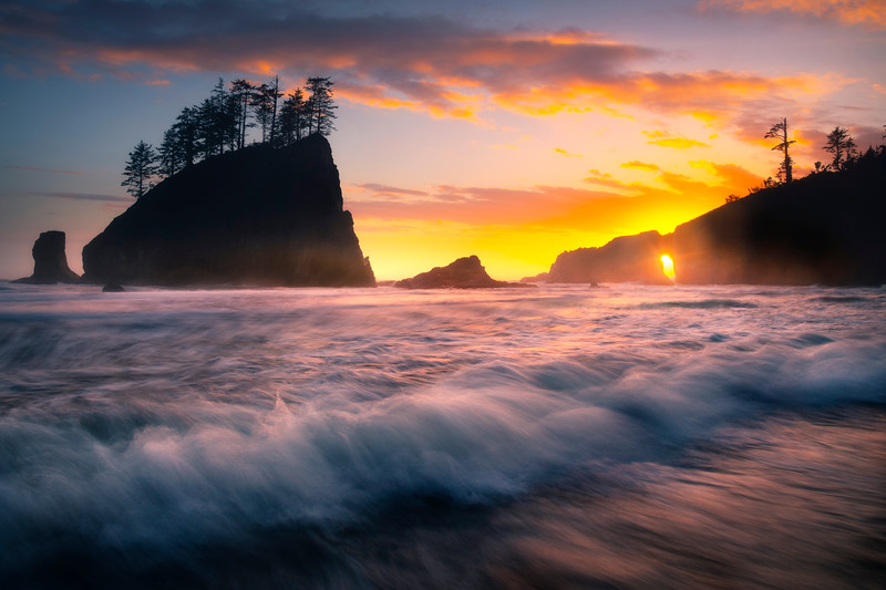 High Tide Moving In Quickly On Second Beach - Second Beach, Olympic National Park, Washington