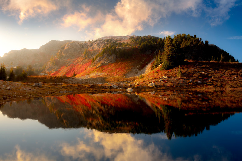 The Warmth Of Autumn Sun And Light - North Cascades National Park, WA