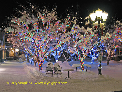 Christmas lights, Aspen, Colorado. December 2008. Image# 042