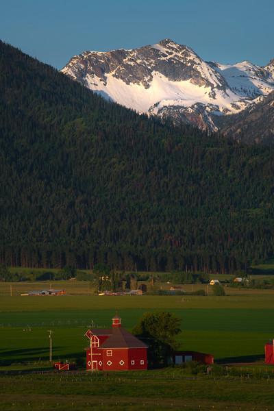 The Round Barn Beneath The Peaks Wallowa County, Oregon