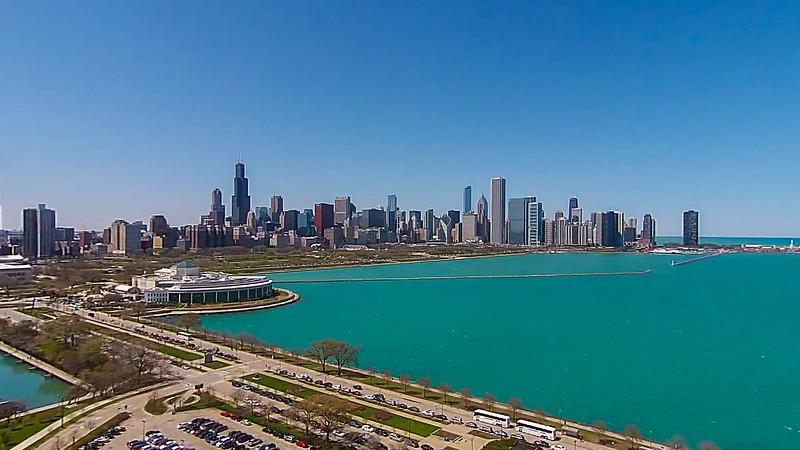 Shedd Aquarium & Chicago Skyline (Chicago, IL USA)